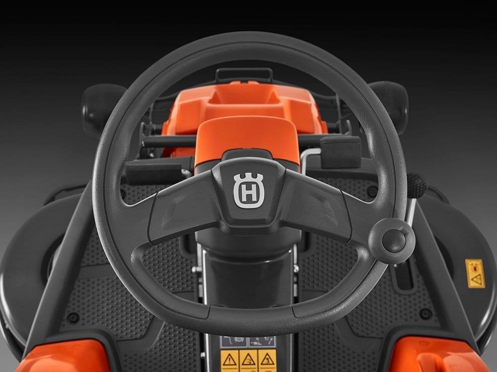 Husqvarna R 216T AWD_4
