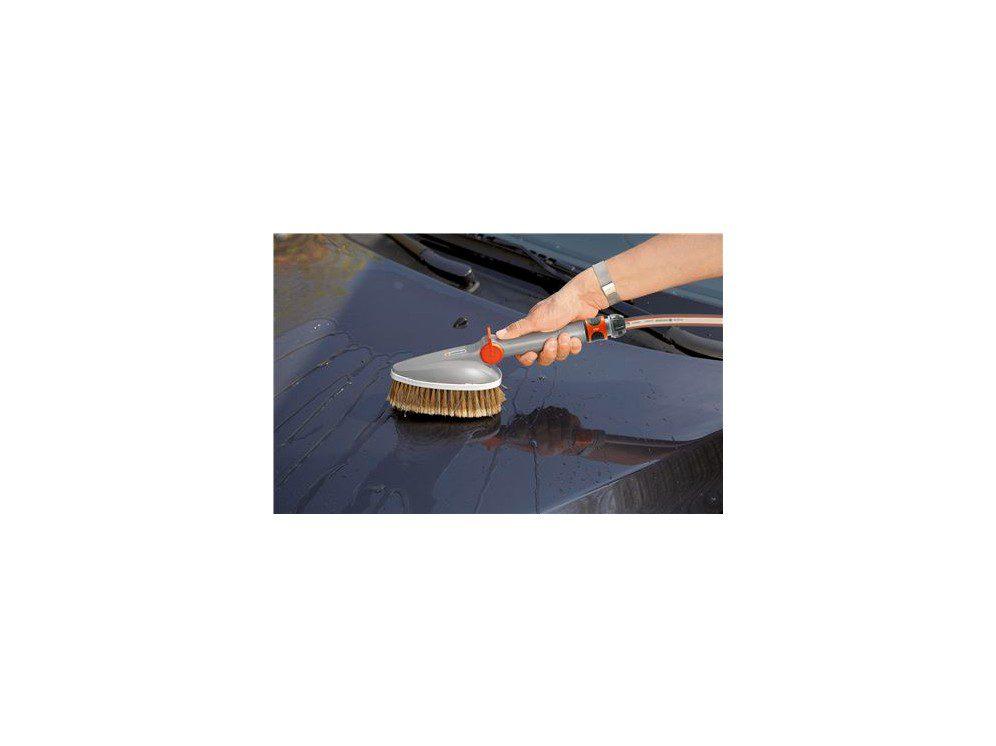 Hånd Vasker Overflade På Bil Med Vaskebørste